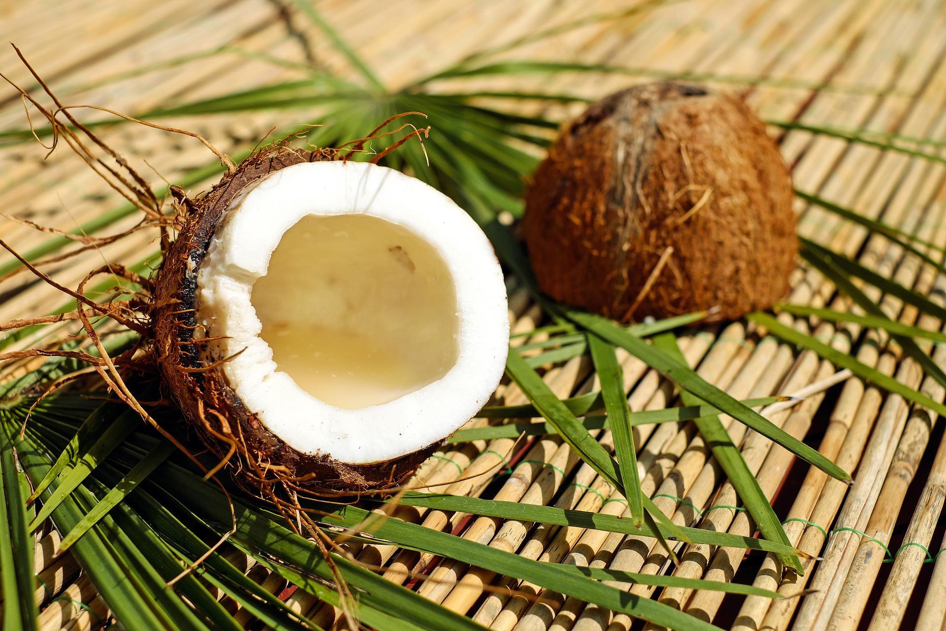 Crespelle al cocco e cioccolato